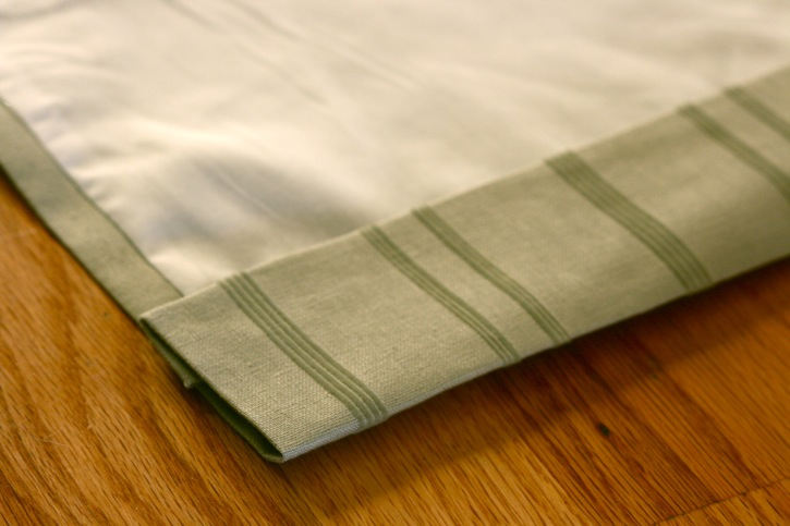 How to Sew Lined Inverted-Pleat Curtains | eHow.co.uk